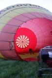 La surface totale de toile d'un ballon est de 2000 m2