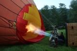 Le brûleur chauffe l'air du ballon