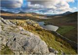 Towards Llyn y Dywarchen and Llyn y Gader