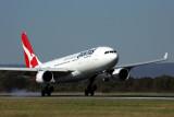 QANTAS AIRBUS A330 200 PER RF 5K5A6761.jpg