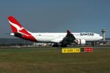 QANTAS AIRBUS A330 200 PER RF 5K5A6766.jpg
