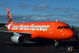 JETSTAR AIRBUS A320 HBA RF IMG_9093.jpg