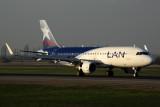 LAN AIRBUS A320 SCL RF 5K5A2438.jpg