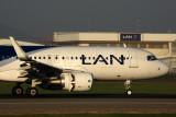 LAN AIRBUS A320 SCL RF 5K5A2441.jpg