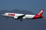 TAM AIRBUS A320 SCL RF 5K5A2258.jpg