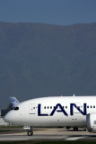 LAN BOEING 787 8 SCL RF 5K5A2616.jpg