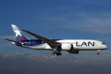 LAN BOEING 787 8 SCL RF 5K5A2111.jpg