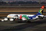 SOUTH AFRICAN AIRBUS A340 300 JNB RF 5K5A1841.jpg
