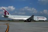 QATAR BOEING 777 300ER HAN RF IMG_0318.jpg