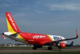 VIETJET AIR AIRBUS A320 SGN RF IMG_0085.jpg