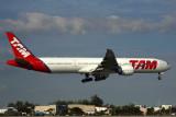 TAM BOEING 777 300ER MIA RF 5K5A8574.jpg