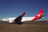 QANTAS AIRBUS A330 200 SYD RF 1758 6.jpg