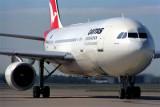 QANTAS AIRBUS A300 BNE RF 669 16.jpg