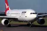 QANTAS AIRBUS A300 SYD RF 790 9.jpg