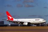 QANTAS AIRBUS A300 SYD RF 835 24.jpg
