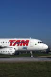 TAM AIRBUS A319 SDU RF 5K5A8799.jpg