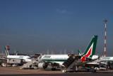 ALITALIA AIRCRAFT FCO RF IMG_0668.jpg