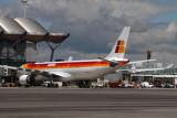 IBERIA AIRBUS A330 300 MAD RF IMG_0658.jpg
