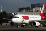 TAM AIRBUS A319 SDU RF 5K5A8796.jpg