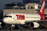 TAM AIRBUS A319 SDU RF 5K5A8756.jpg