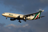 ALITALIA AIRBUS A330 200 FCO RF 5K5A8129.jpg