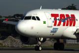 TAM AIRBUS A319 SDU RF 5K5A8797.jpg