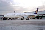SINGAPORE AIRLINES BOEING 777 200 SIN RF 1139 2.jpg
