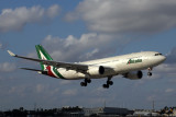 ALITALIA AIRBUS A330 200 MIA RF5K5A6370.jpg