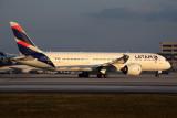 LATAM BOEING 787 9 MIA RF 5K5A6912.jpg