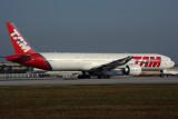 TAM BOEING 777 300ER MIA RF 5K5A6927.jpg