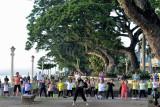 Early morning aerobics...   DSC_9900.JPG