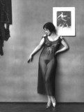 1912 - Woman in silver shoes
