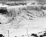1911 - Niagara Falls frozen