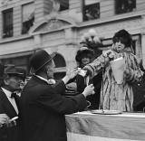 1913 - Sarah Bernhardt selling newspapers