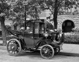 c. 1906 - Horseless carriage