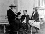 1909 - Tolstoy tells a story to his grandchildren