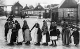 1919 - Walking on ice