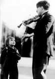 1921 - Between takes on The Kid