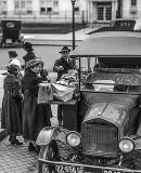 1919 - Sandwich vendor