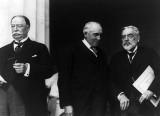 c. 1921 - William Howard Taft, Warren G. Harding, and  Robert Todd Lincoln