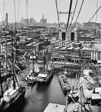 1870-1877 - Brooklyn Bridge under construction