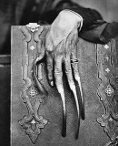 1869 - Hand of a rich woman