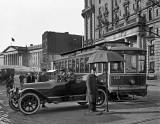 1913 - Prepared for rain