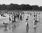 c. 1905 - Children's bathing beach, Lincoln Park