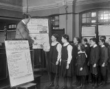 1916 - Students receiving their War Savings certificates