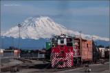 Mt. Rainier with TR 1522 work the yard.