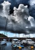 wind gusts of 70kpm may affect Hong Kong