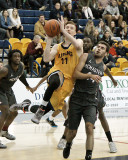 Queen's vs McMaster M-Basketball 11-20-15