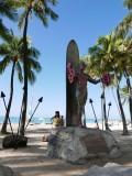Statue of Duke Paoa Kahinu Mokoe Hulikohola Kahanamoku (Waikiki beach)