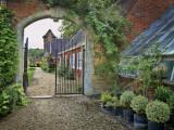To the inner Gardens